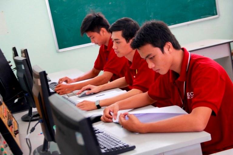 học gì và làm gì với ngành kỹ thuật điện điện tử