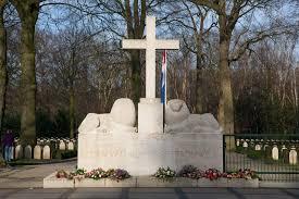 Herdenking Grebbeberg (vertegenwoordiging RHB door RC, RA + 2 pax) @ Militair Ereveld Grebbeberg | Rhenen | Utrecht | Nederland