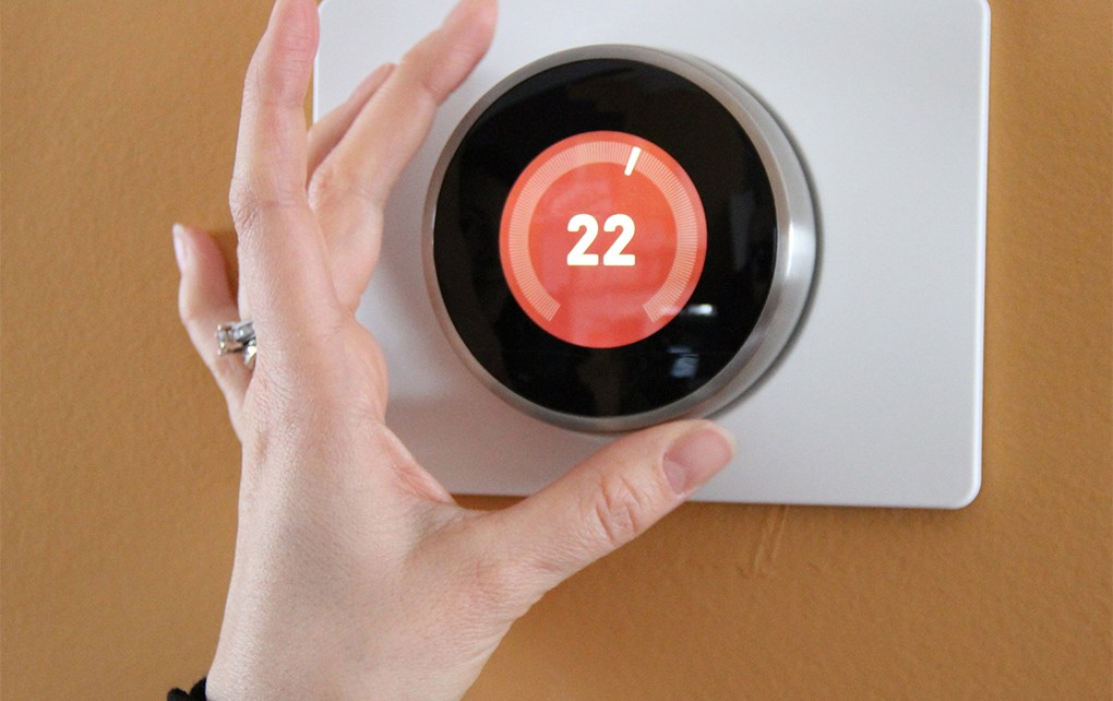 A new Australian study is taking on the long-held debate: is your office's 22°C thermostat really set at the correct temperature?