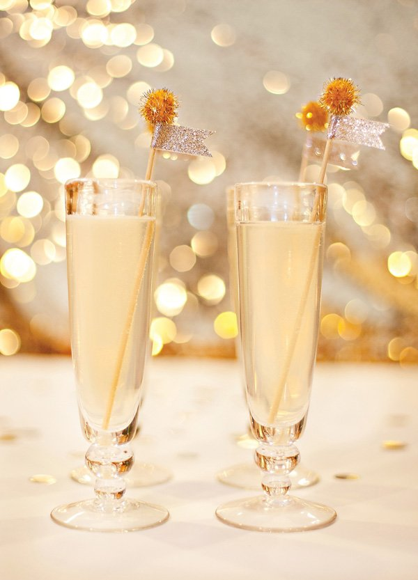 White grape low calorie, low sugar sparkler party drink that's perfect for new year's eve