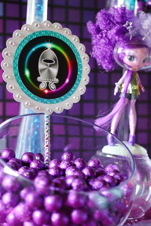 metallic-foil-chocolate-balls