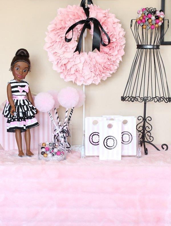 dollhouse-dress-up-table