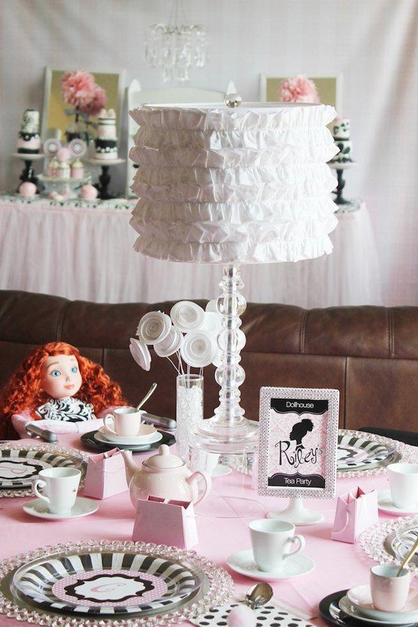 dollhouse-tea-party-table