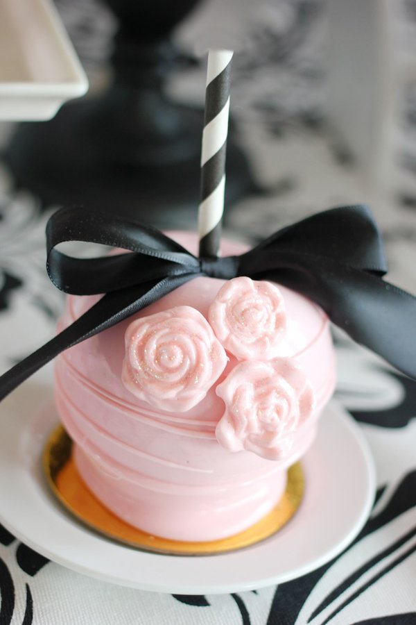 pink-gourmet-candy-apple