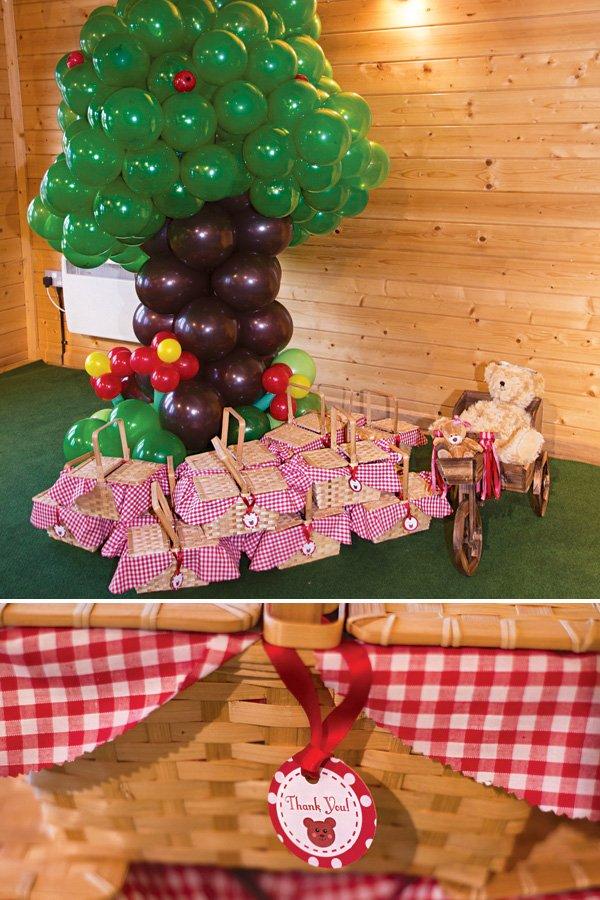 picnic basket party favors