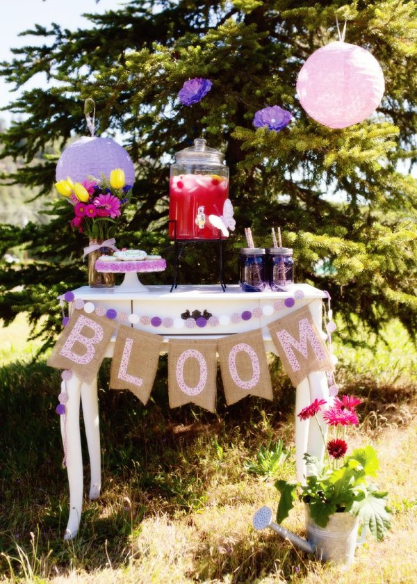 Vintage Garden Party Drink Station