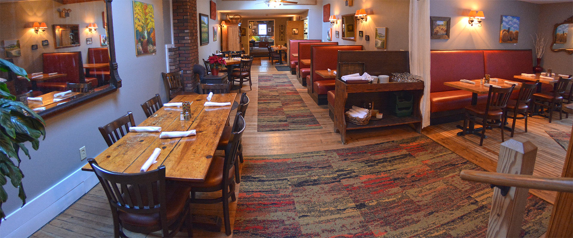 Hyde Away Main Dining Room