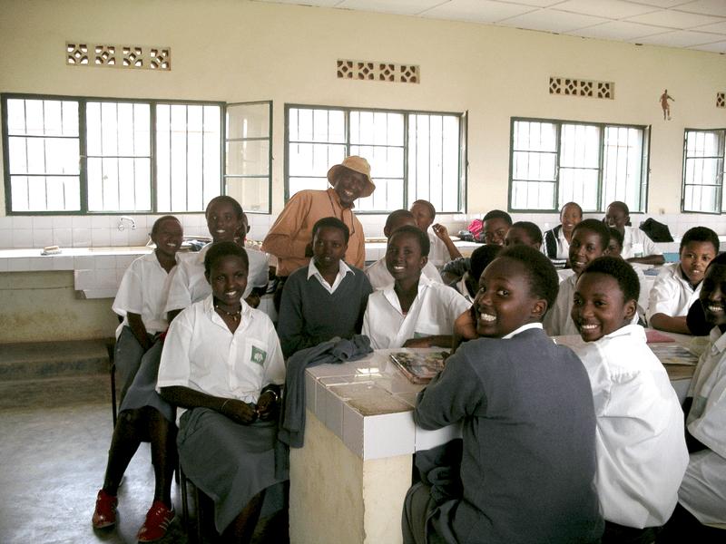 800px-Rwanda_Classroom_edited