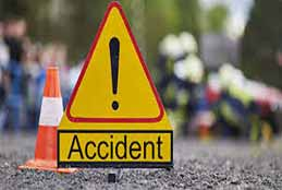 2 Killed, 5 Injured After Car Collides With Median In Nalgonda