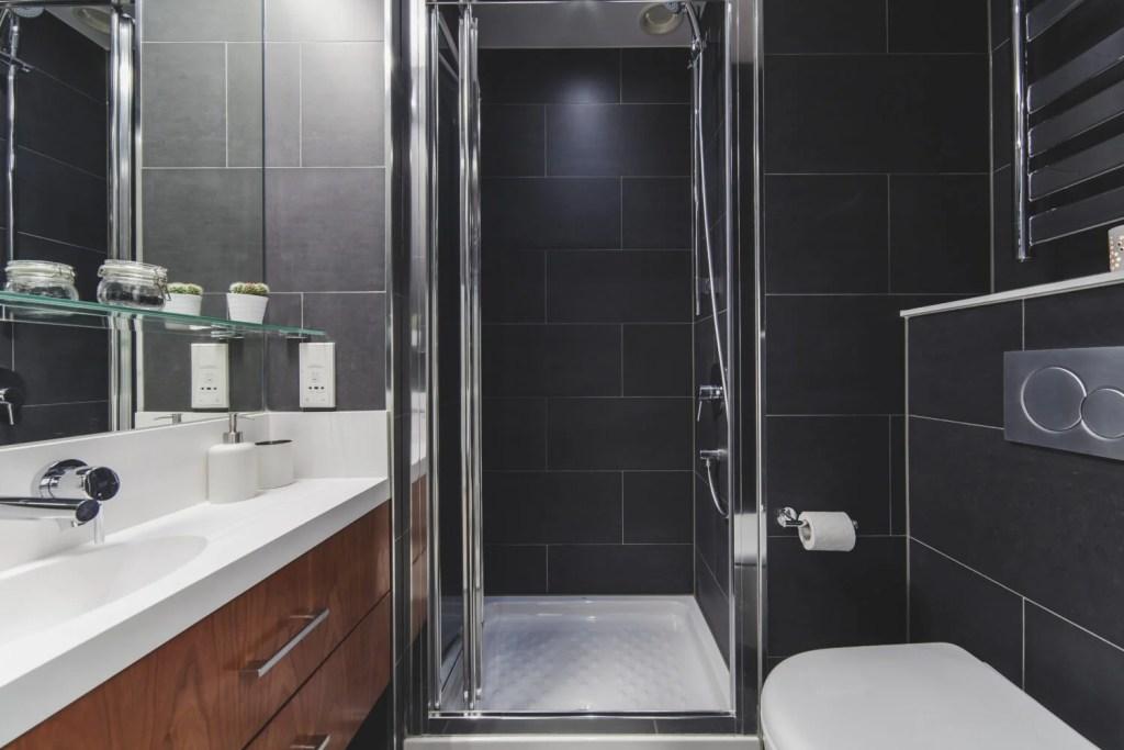 Shower in Exter College Bathroom