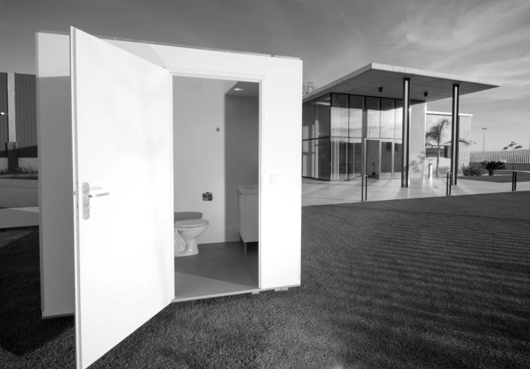 LENE bathroom outside Hydrodiseno offices