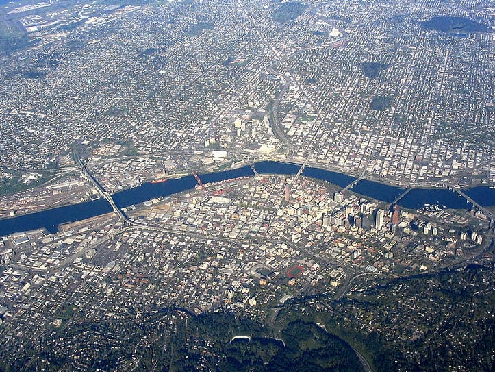 Portland General Electric Company seeks out clean energy projects