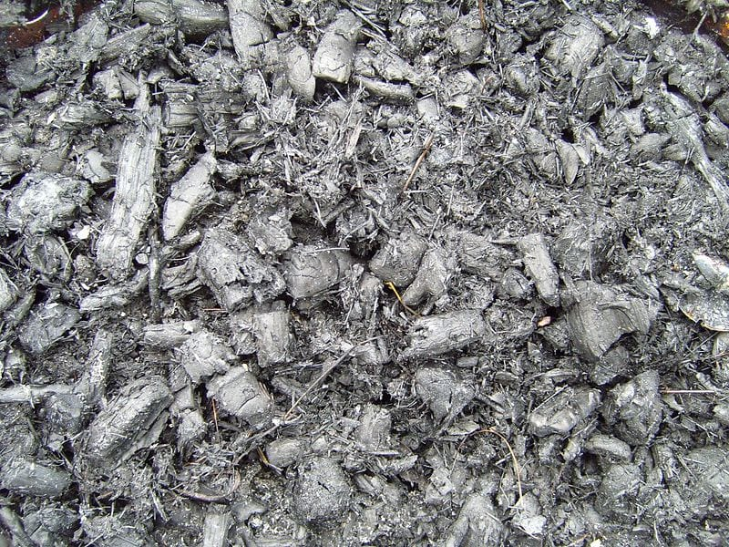 Ash as a source of hydrogen fuel