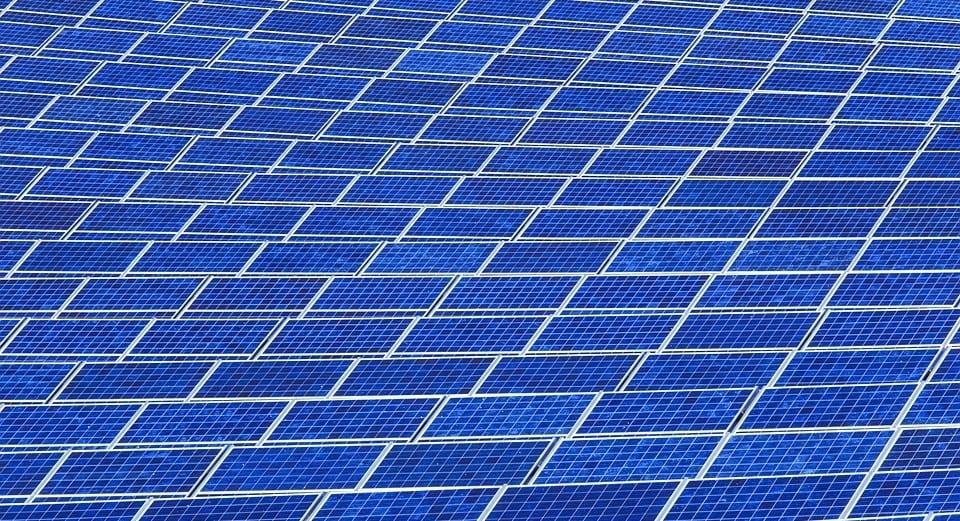 Japan to build world's largest floating solar energy farm