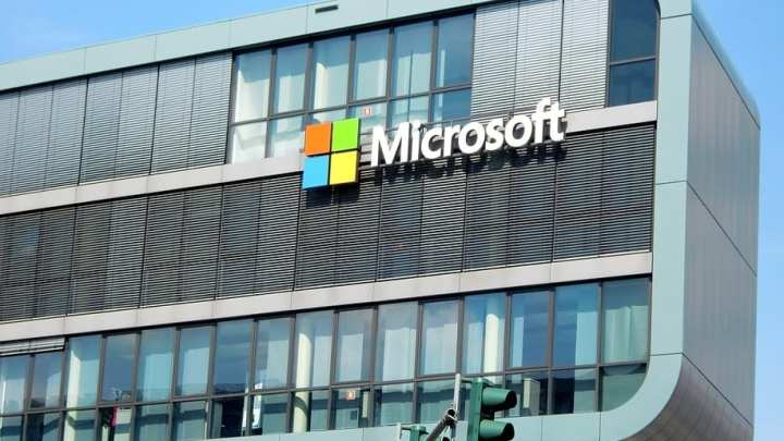 Microsoft begins testing new fuel cells