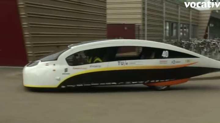 New car using solar energy wins praise at the World Solar Challenge