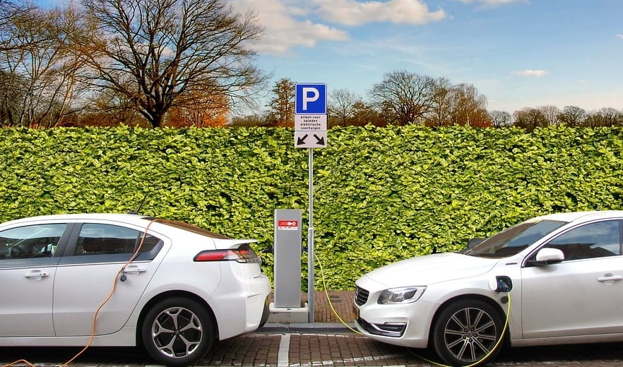 Automakers seek to save tax credit that benefits electric vehicles
