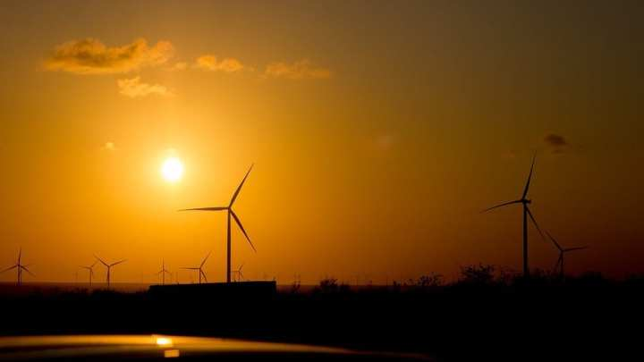 Panel recommends Japan to focus more on renewable energy abroad