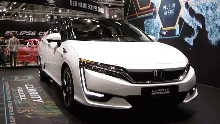 Honda begins offering its new 2018 Clarity Fuel Cell