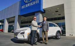 Hyundai Delivers First 2019 NEXO FuelCell SUV
