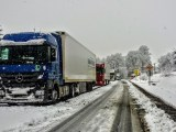 sustainable business strategy - Mercedes-Benz Truck on winter roads
