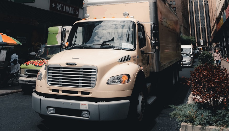 Hydrogen fuel experts want commercial trucks to green up