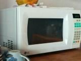 Clean hydrogen fuel production - kitchen microwave