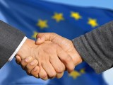 European hydrogen projects - business handshake
