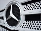 Mercedes-Benz GenH2 Truck - Mercedes-Benz logo on grill