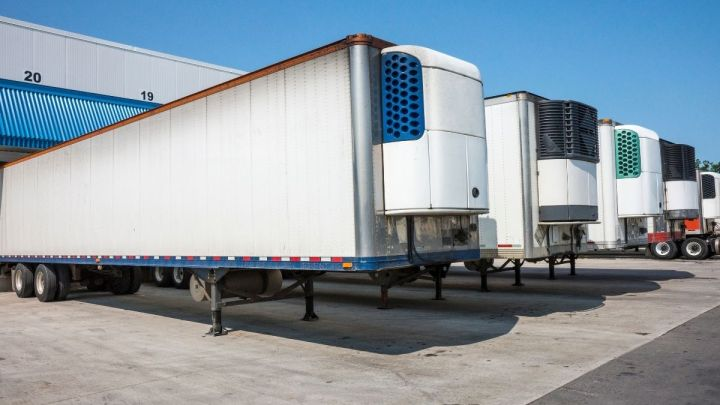 Refrigerated hydrogen fuel cell trailer rolls out for road testing