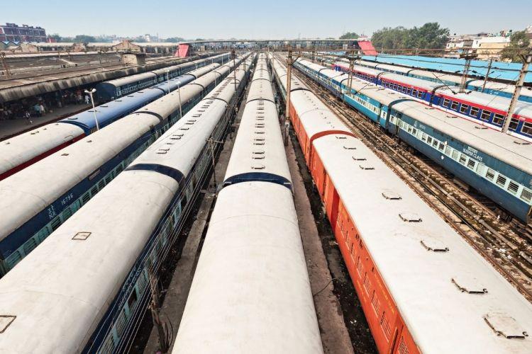 Hydrogen fuel cell trains - Trains in a yard