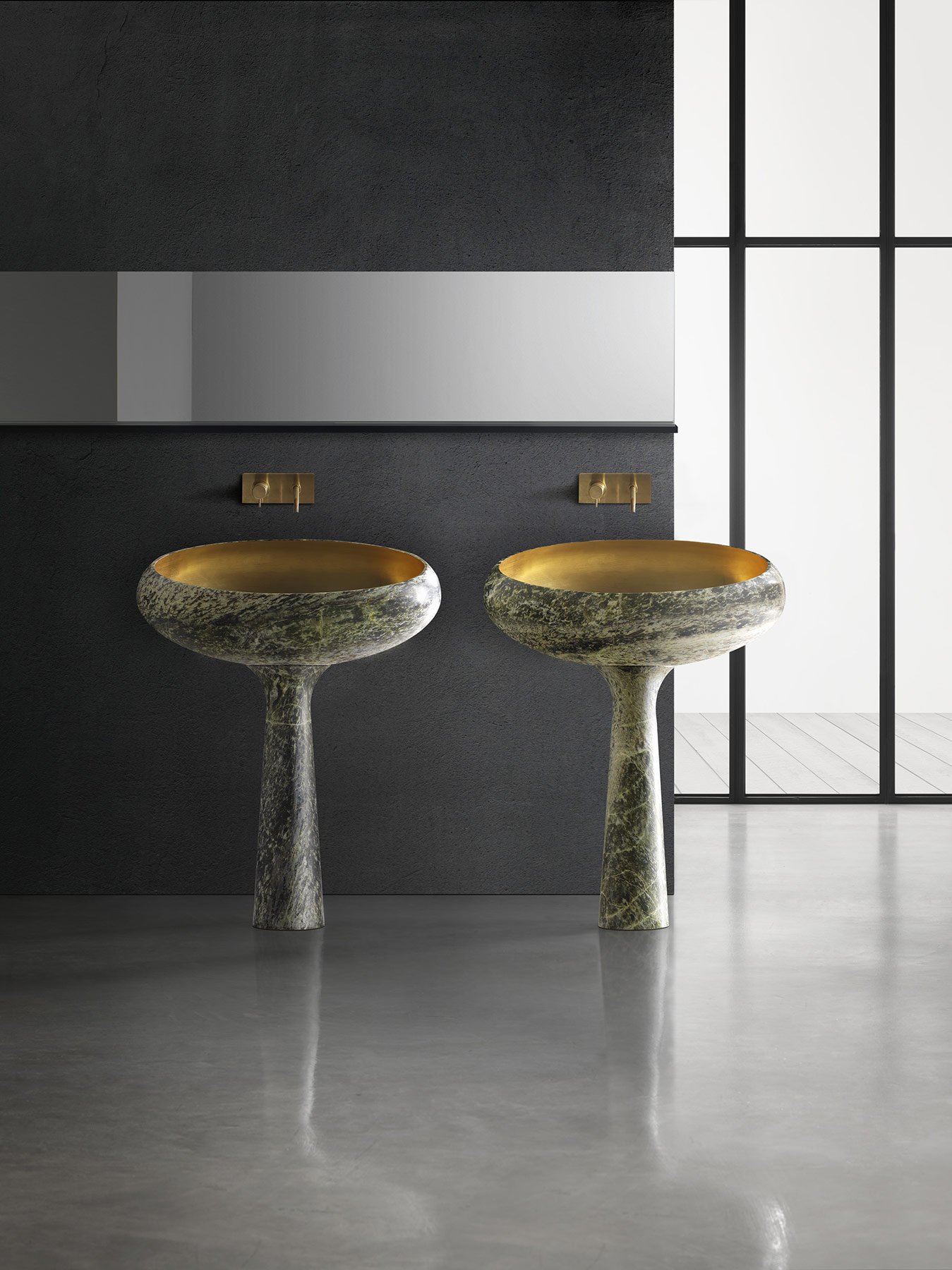 Transitional Gong Floor Mount Washbasin