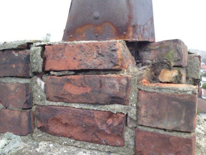 Telgstens-pipen sine 3 øverste skift hadde forvitret og falt fra hverandre