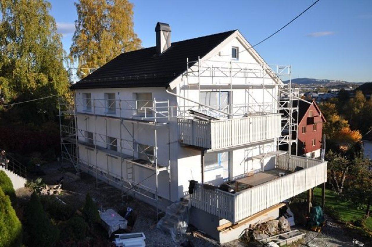 Underveis: Fremside hus
