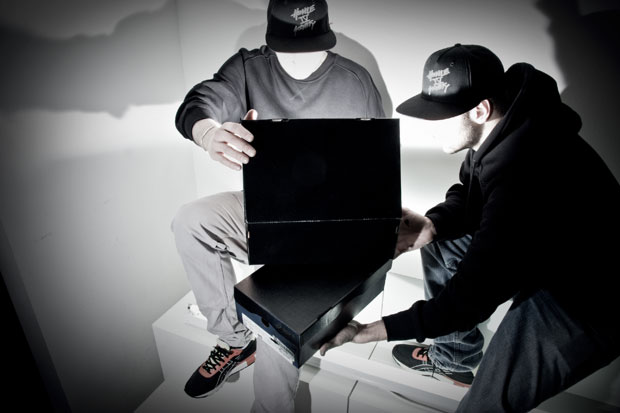 yeahboy-x-asics-sneakers-01