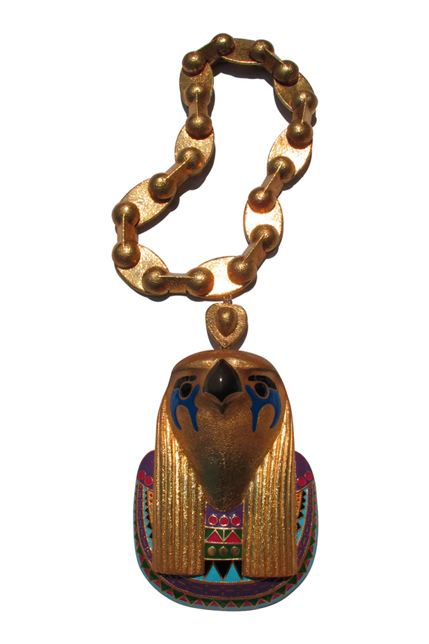 kanye west horus chain pyramid ring 2 Kanye Wests Horus Chain & Pyramid Ring