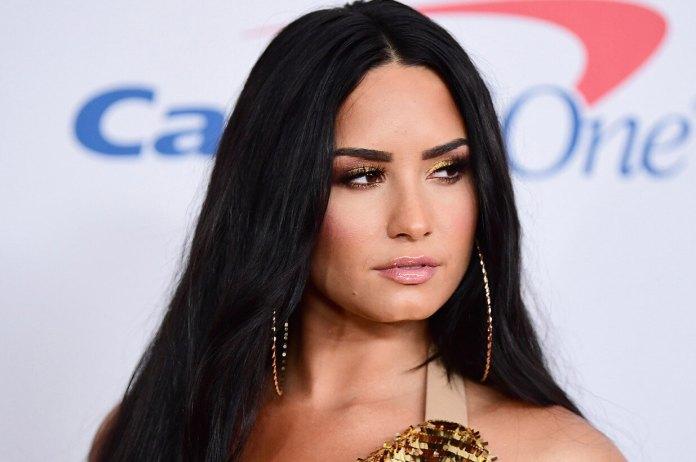 Demi Lovato Claps Back-1