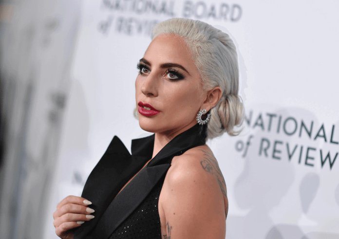 Lady Gaga Apologizes For Song Collaboration with R Kelly