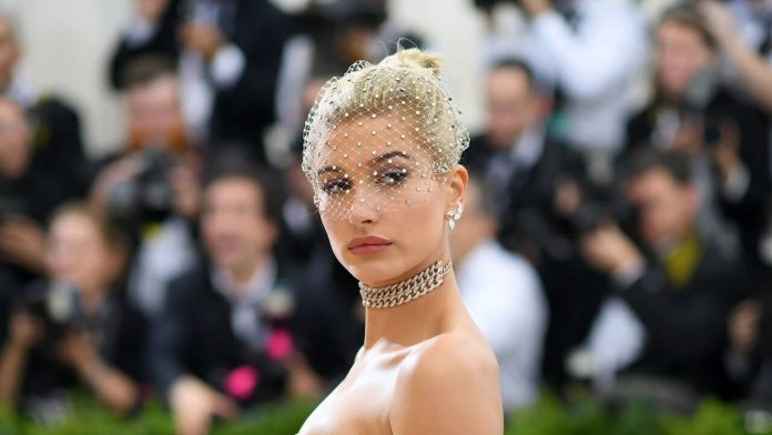 Hailey Baldwin is SICK of Justin Bieber and Calls Divorce Lawyers,