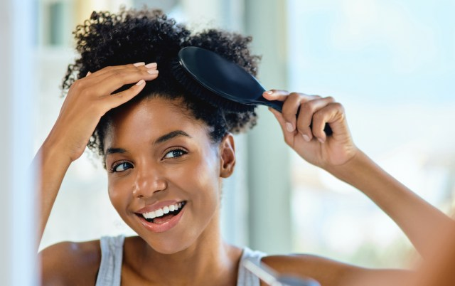 natural hair brushing