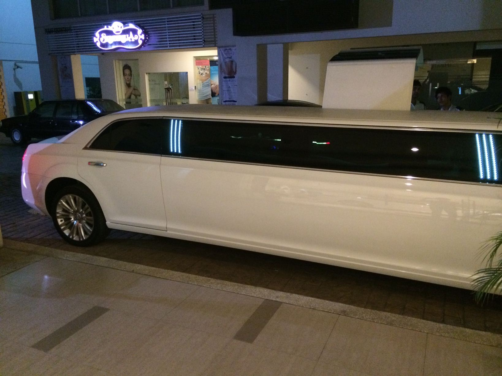 Stretch Wedding Limousine Rental Malaysia