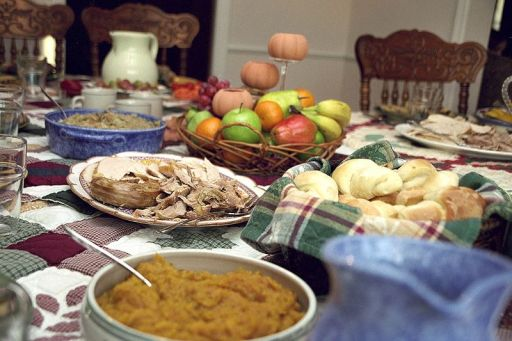 A typical American Thanksgiving Day spread. (Credit: Ben Franske, Wikicommons)