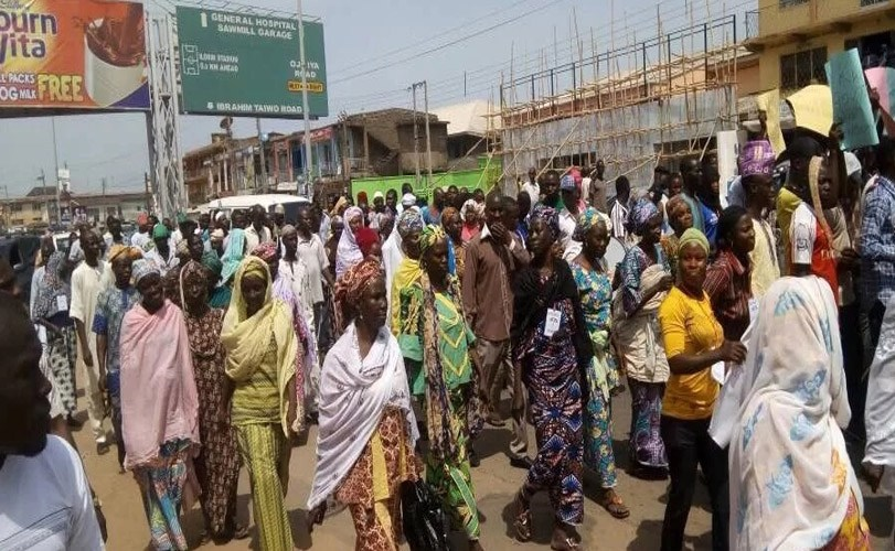 Angry Kwarans protest against Saraki's political influence