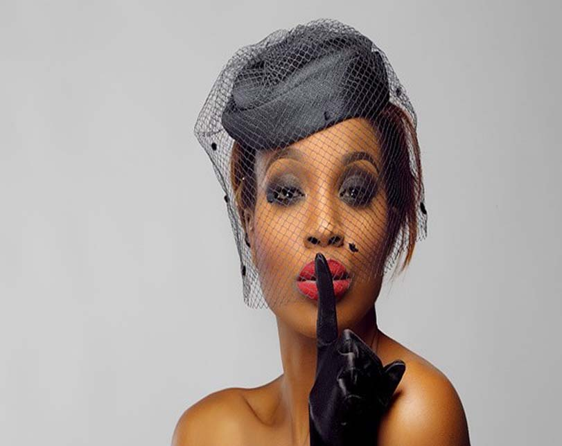 VIDEO: Seyi Shay falls while performing on AFRIMA stage