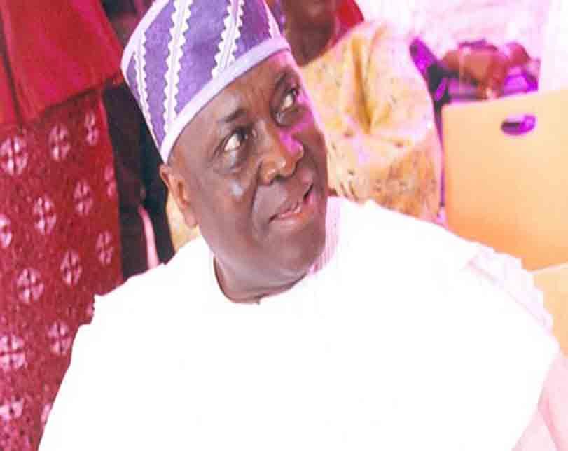 Buhari inaugurates Musiliu Smith as new PSC chairman