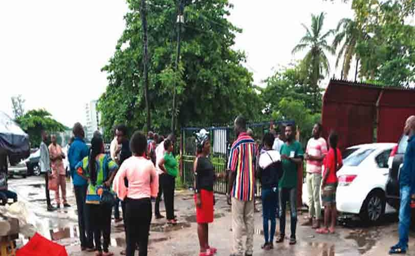 Nigerian Students Seeking Visa To Travel Abroad Lament Their Sad Experiences At US Embassy
