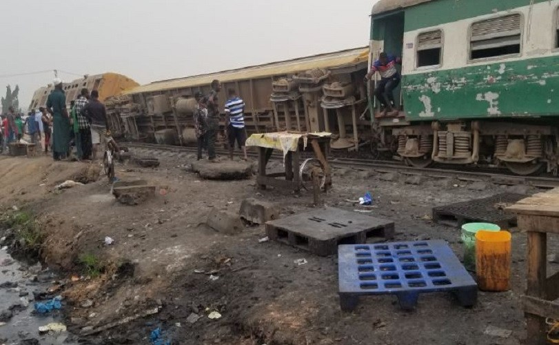 Many People Trapped As Train Derails From Tracks In Lagos (Photos+Video)
