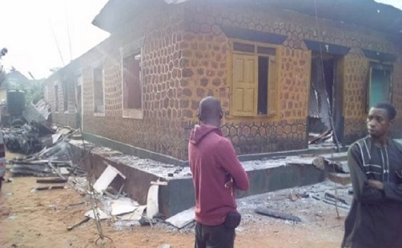 Thugs Beat Up Policemen, Set Police Station On Fire (Photos)