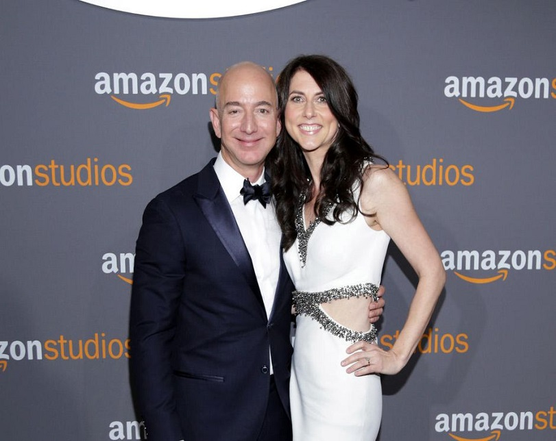 Bezos ex-wife to surrender 75% of couple's Amazon shares