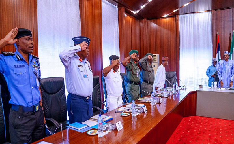 Buhari holds secret meeting with service chiefs in Aso Rock
